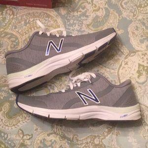 New Balance 711 training shoes